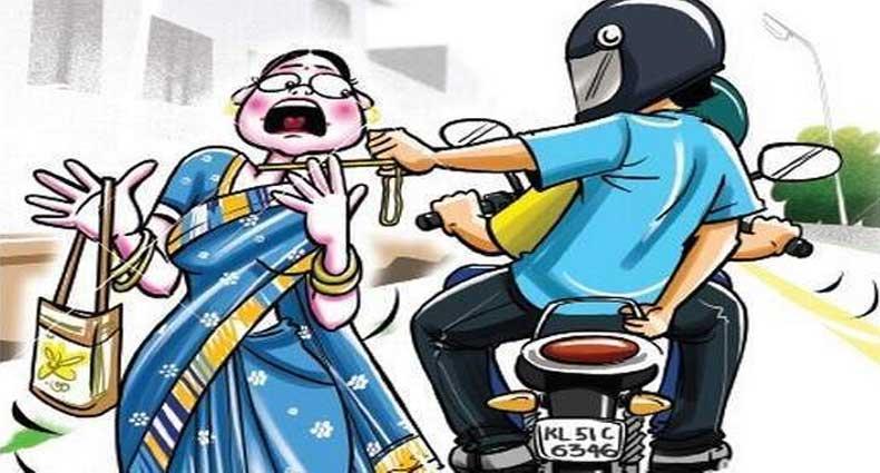 কুমিল্লায় নারীর কান থেকে স্বর্ণের দুল ছিনতাই